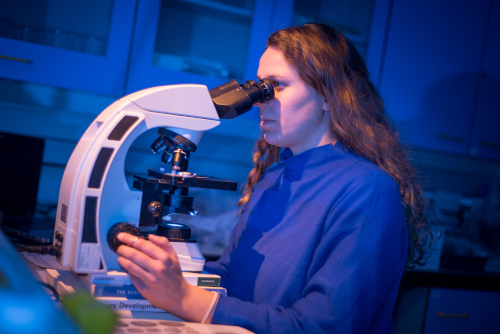 UHI PhD student Jasmin in the lab at Orkney College